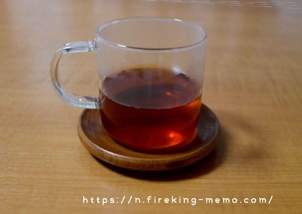 無印のガラスマグに淹れた紅茶